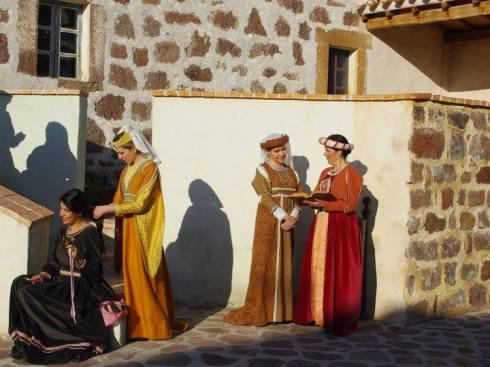 trajes medieval coditiano